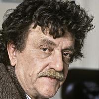 Kurt-Vonnegut-9520329-1-402 (1)