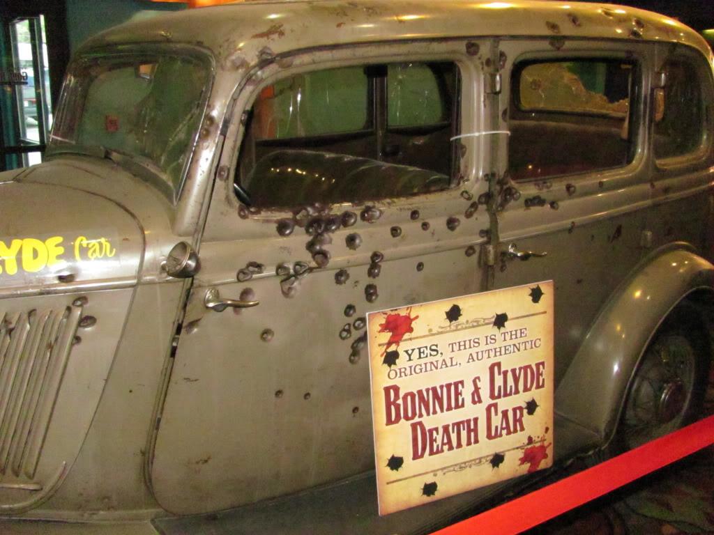 HIWAY AMERICA-BONNIE AND CLYDES DEATH CAR -PRIMM NEVADA   BEATNIKHIWAY