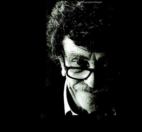 kurt vonnegut a humorist and a Kurt vonnegut: kurt vonnegut, american writer noted for his wryly satirical novels  that  vonnegut grew up in indianapolis in a well-to-do family, although his father ,  mark twain, american humorist, journalist, lecturer, and novelist who.