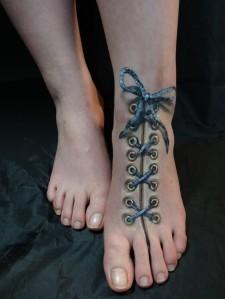 lace-up-foot-hikaru-cho-685x913
